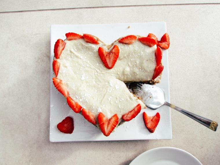 vanilla vegan cake with cashew icing